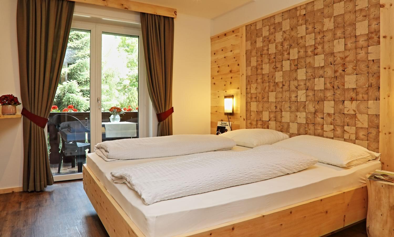 hotel sarntal bozen. Black Bedroom Furniture Sets. Home Design Ideas
